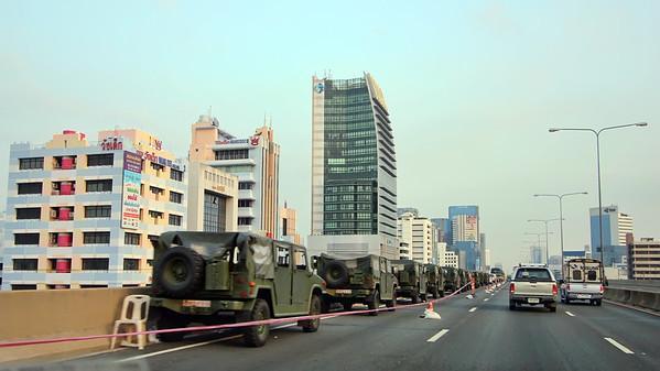 Humvees on the Don Muang Expressway (10Nov)