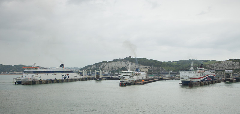 """LD Lines """"Norman Spirit"""", P&O """"Pride of Calais"""" und P&O """"Spirit of France"""" in Dover harbour."""