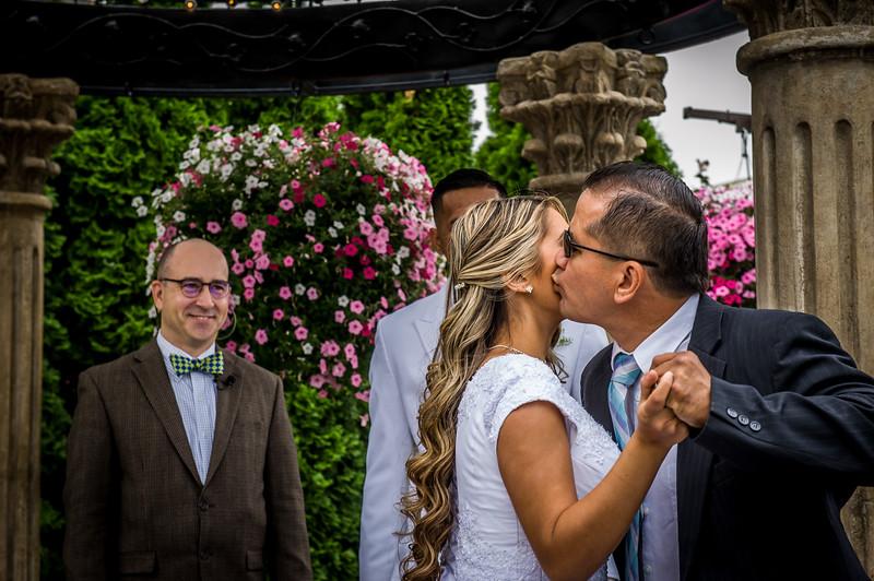 Vanessa Farmer wedding day-124.jpg