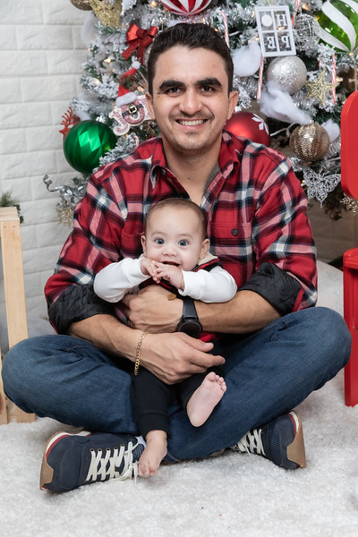 12.24.19 - Adriana's Christmas Photo Session 2019 - -5.jpg