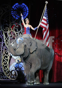 elephants-perform-for-final-time-at-ringling-bros-circus