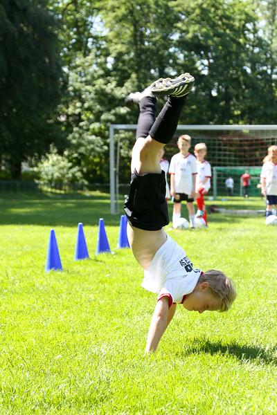 hsv_fussballschule-442_48047956581_o.jpg