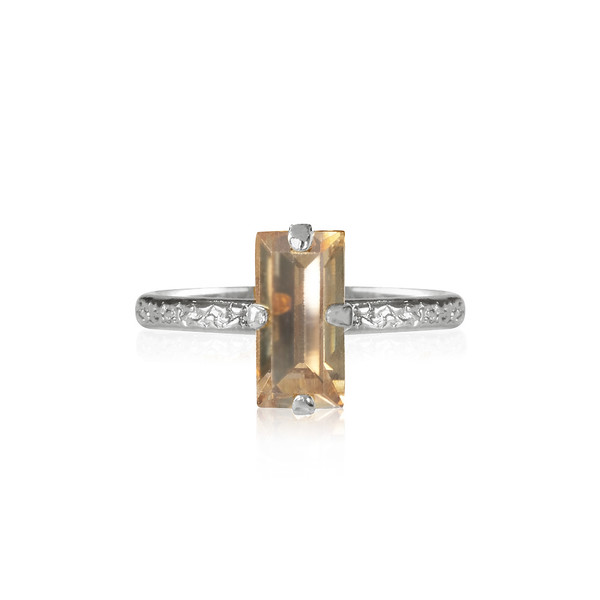Baguette Ring / Golden Shadow Rhodium