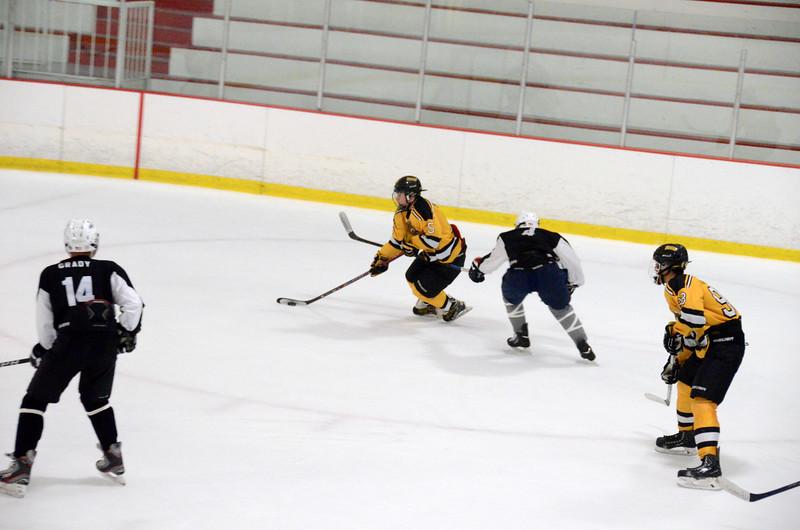 140913 Jr. Bruins vs. 495 Stars-186.JPG