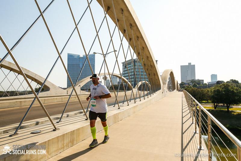 Fort Worth-Social Running_917-0597.jpg