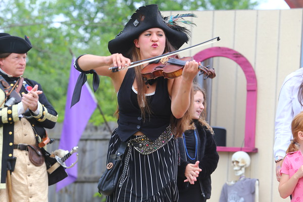 2021 Pirate Fest - Tom Mason and the Blue Buccaneers