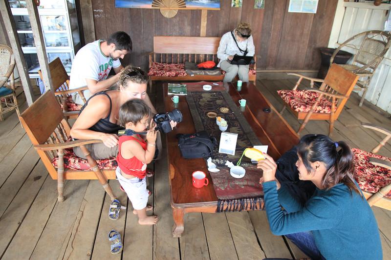 Kawiarnia - po lewej nasi znajomi Holendrzy, Joyce i Rene