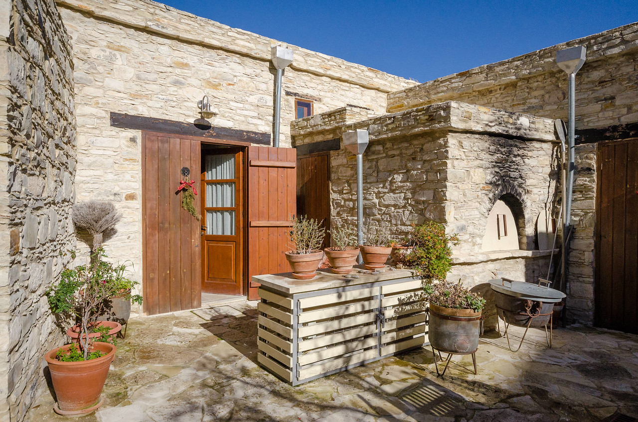 The 'Mulberry' Studio Apartment   Vavla Rustic Retreat, Cyprus