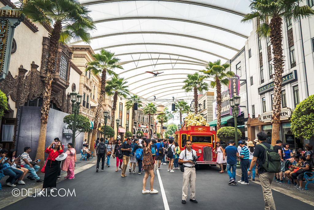 Universal Studios Singapore Park Update - Jurassic World Explore and Roar - Hollywood Pteranodon