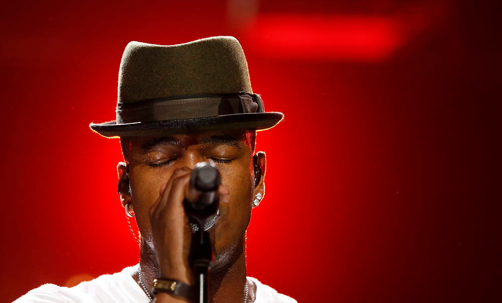 Description of . Singer Ne-Yo performs during the Z100 Jingle Ball at Madison Square Gardens in New York, December 7, 2012.    REUTERS/Carlo Allegri