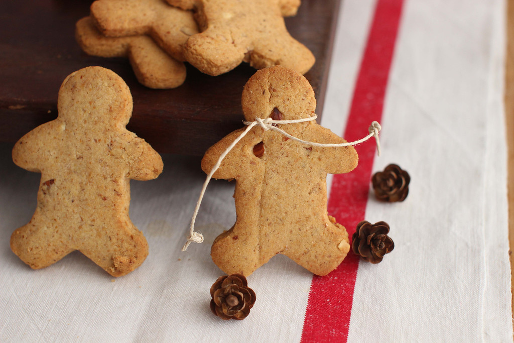 ". These cookies are from a recipe by Alison Ladman. <a href=""http://gazette.com/like-cookies-toasty-and-roasty-you-need-these-shortbread/article/1564679\"">Get the recipe for roasted toasted shortbread cookies</a>. (AP Photo/Matthew Mead)"