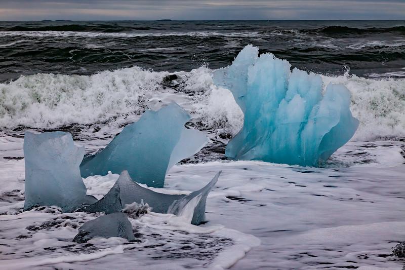 Icefloe on Jolulsarlon Beach