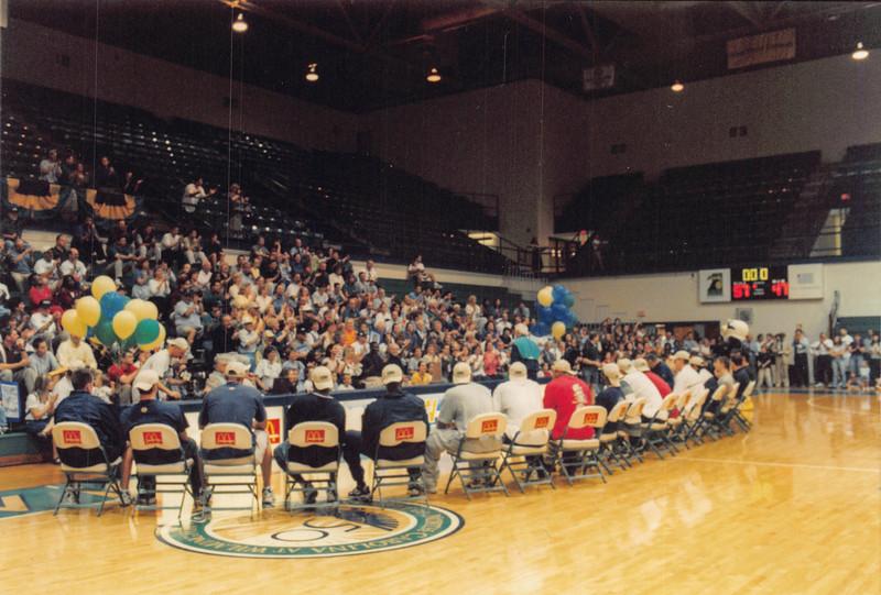 UNCW Basketball 99-00-57.jpg