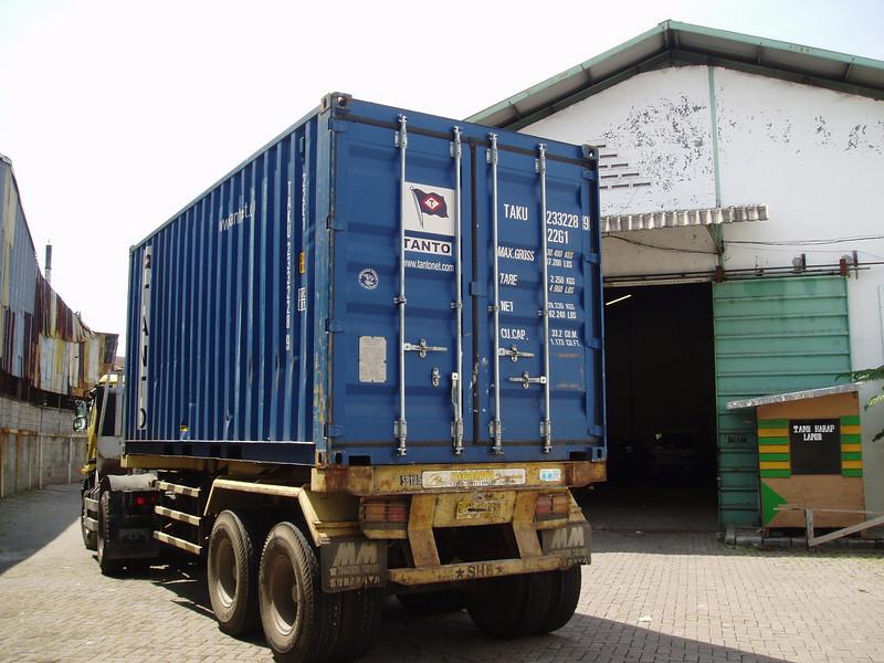 Otto Kuijk Zkhs vervoer en aankomst container (30).jpg