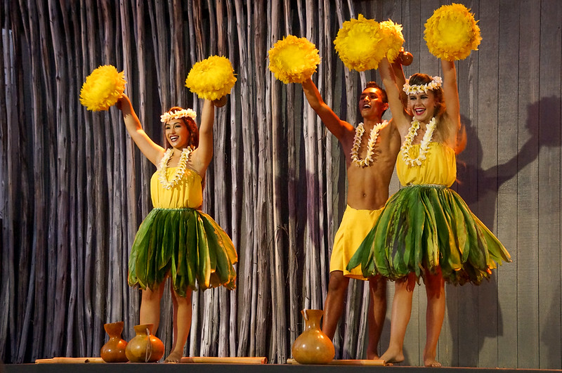 hawaii hula dancers
