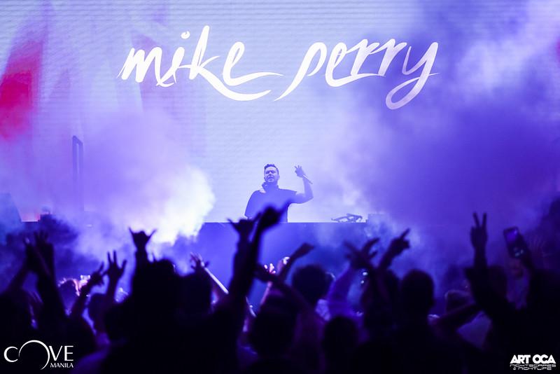 Mike Perry at Cove Manila Nov 29, 2019 (22).jpg