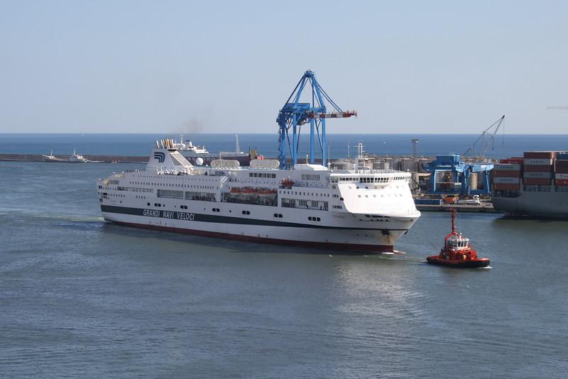2010 - F/B SPLENDID arriving in Genova.