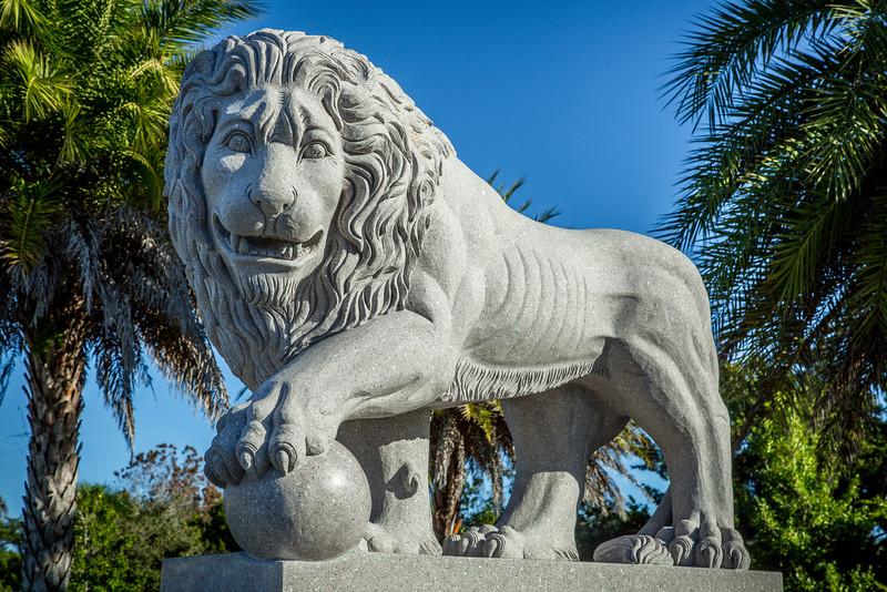 A New Roar at the Bridge of Lions