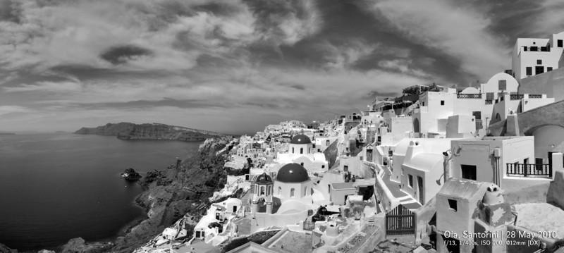 Santorini panorama.jpg