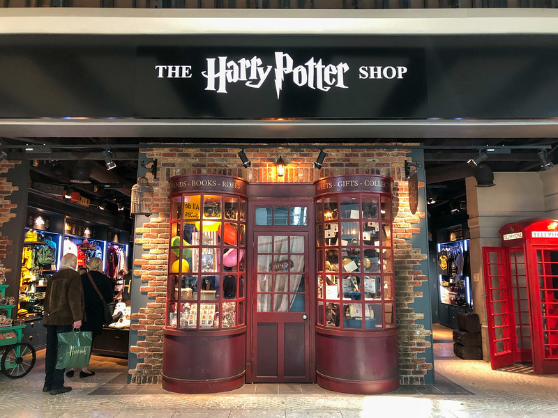 Harry Potter airport shop
