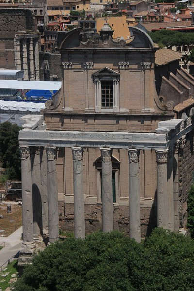 The Temple of Antoninus and Faustina.