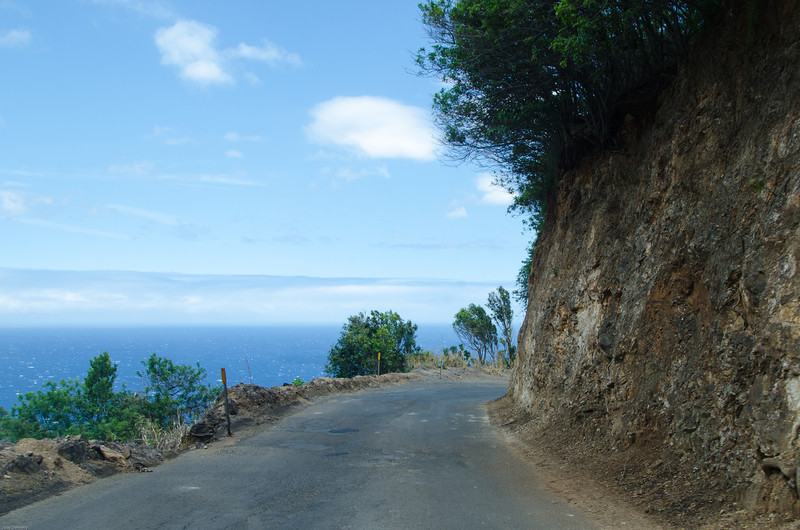 Forbidden Road Maui ~ A guardrail would have been nice!