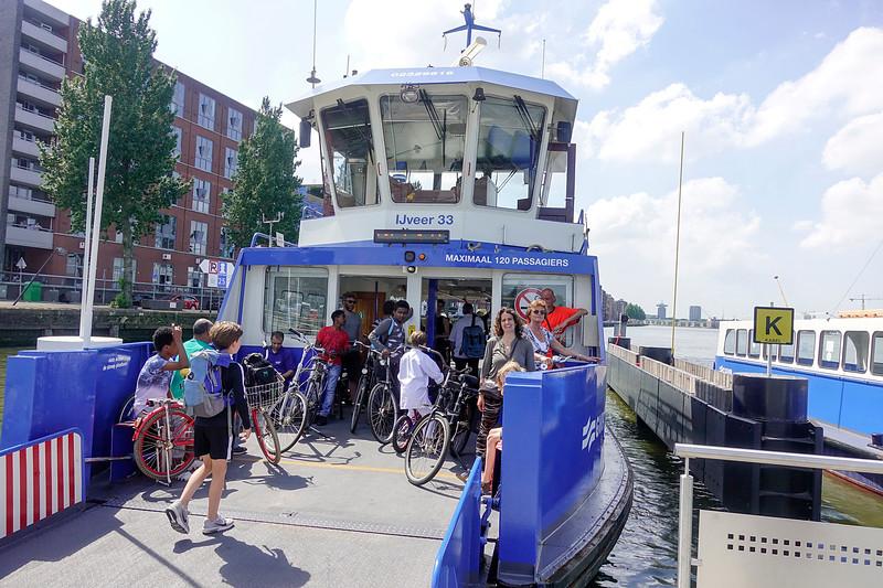 Nederland, Amsterdam, Oostveer met Minka, 30-05-2018, foto: Katrien Mulder