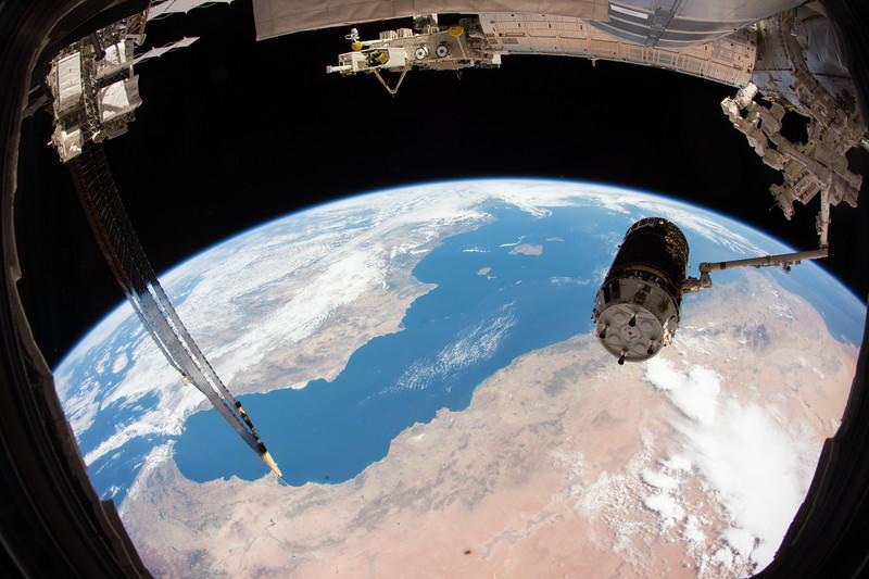 Great job by my crewmates @Astro_Kimiya and @astro_kjell capturing #HTV5 this morning! #YearInSpace