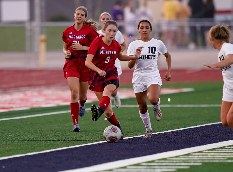 CCHS-vsoccer-pineview2047.jpg