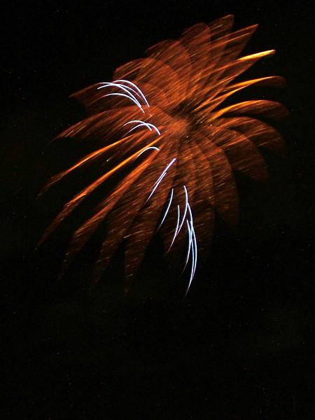 2005_1028tootingfireworks044_edited-2.JPG