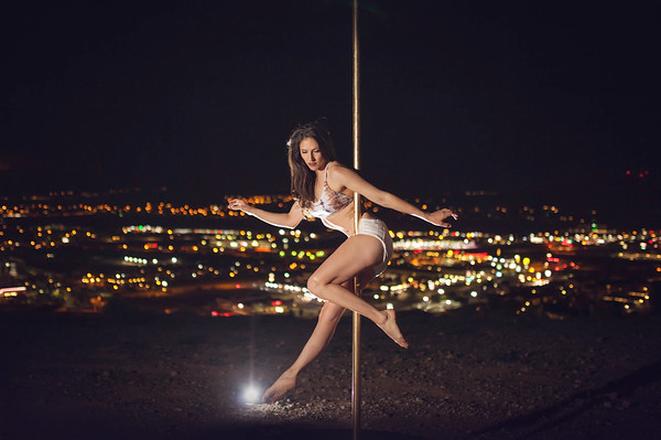 Annie's NightScape Pole Shoot