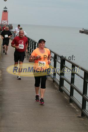 5K & 10K 2.4 Mile Mark Gallery 4 - 2014 The Drenth Memorial Foot Race/Ryan Shay Mile