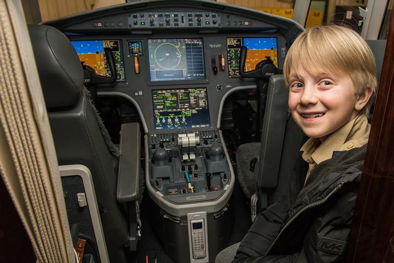 Cub-Scouts-airplane-2-7720.jpg