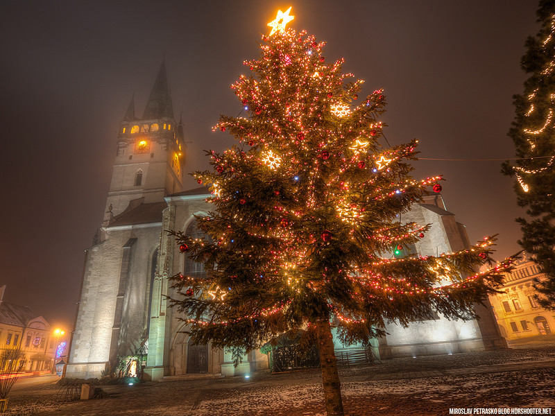 Christmas-tree-in-Presov-1600x1200.jpg