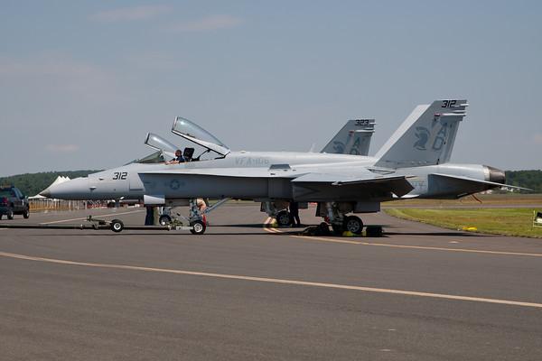 F/A-18C Hornet, US Navy East Coast Hornet Demo Arrival 8/19/10