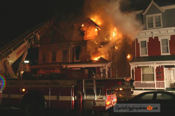 12/27/05 - Harrisburg - N. 13th Street