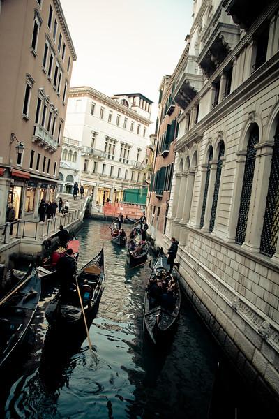 venice gondolas-2.jpg