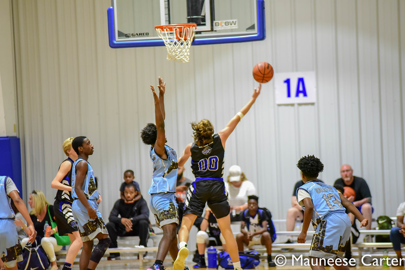 LKN1 v QC Ballers 130pm 8th Grade-10.jpg
