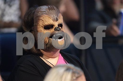 chewbacca-mom-responds-to-violence-with-michael-jackson-song