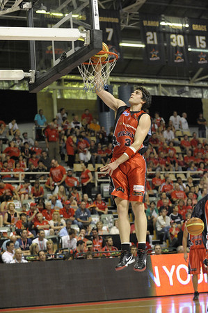 Perth Wildcats vs Crocodiles 05/12/2009