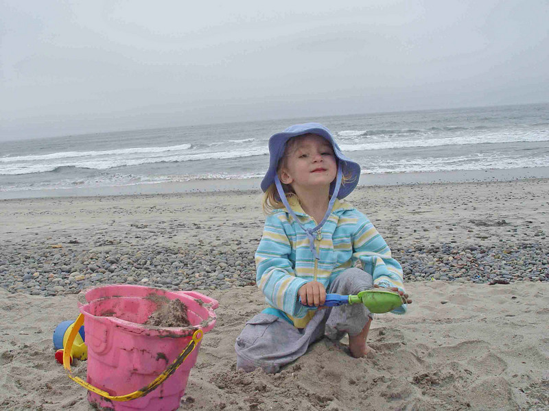 Email Bella at beach #AB4C2.jpg
