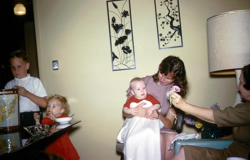 0745 - Gram, Mom, Mark, Linda, Mike (12-63).jpg
