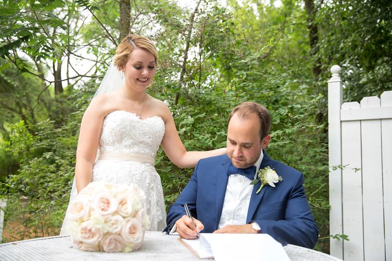 Garrett & Lisa Wedding (532).jpg