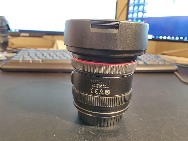 Canon EF 8-15mm 4L USM Fisheye - Serial 8410000661 002.jpg