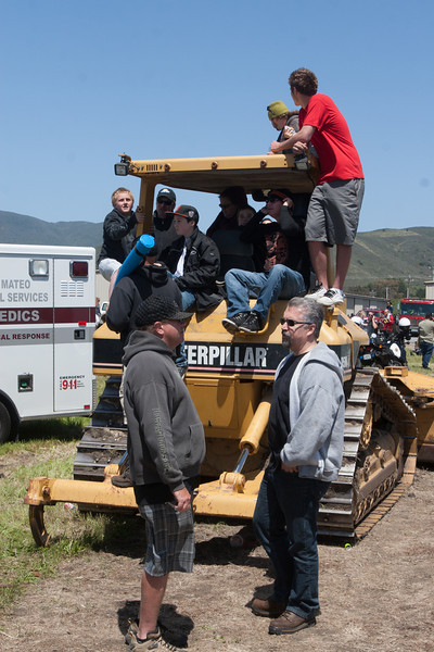 Spectators looked for advantageous viewing positions for the destruction derby.