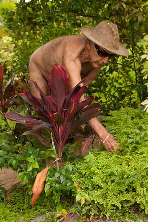 World Naked Gardening Day 2015