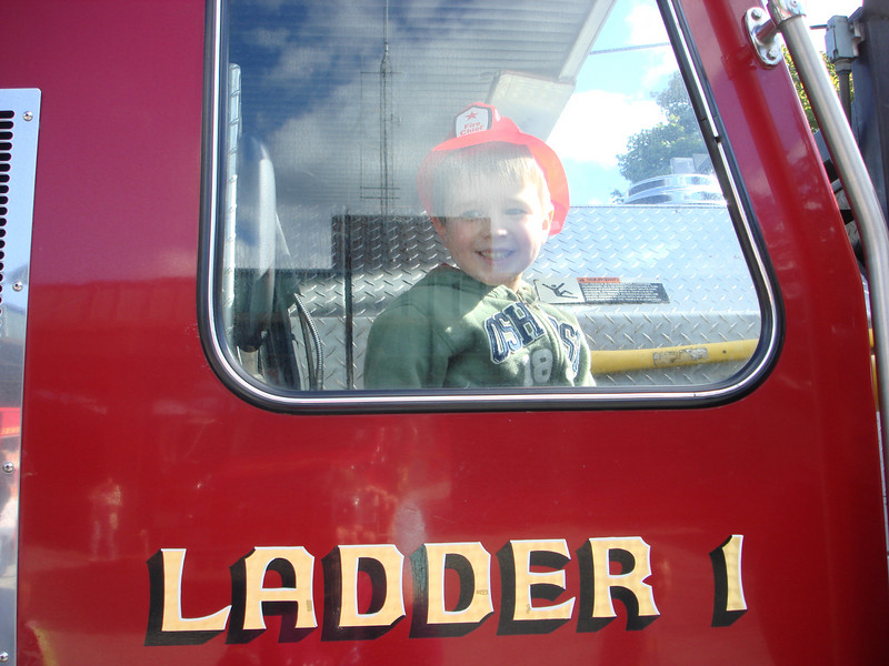 Oct07_playgroundandfirestation025.JPG