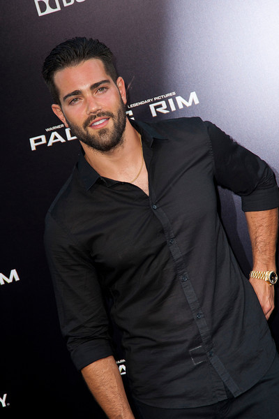 HOLLYWOOD, CA - JULY 09: Actor Jesse Metcalfe arrives at the premiere of Warner Bros. Pictures' and Legendary Pictures' 'Pacific Rim' at Dolby Theatre on Tuesday, July 9, 2013 in Hollywood, California. (Photo by Tom Sorensen/Moovieboy Pictures)