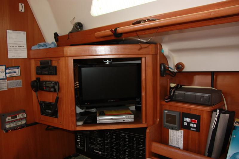 chart table, TV, DVD, Stereo.JPG