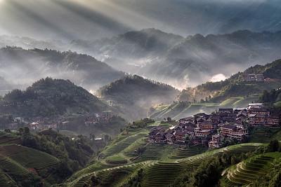 Vicki Moritz - Dazhai village sunrays